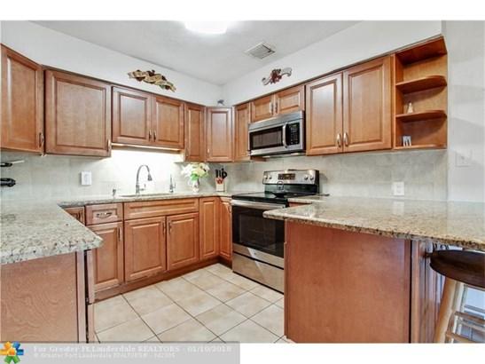 2649 Johnson St, Hollywood, FL - USA (photo 2)