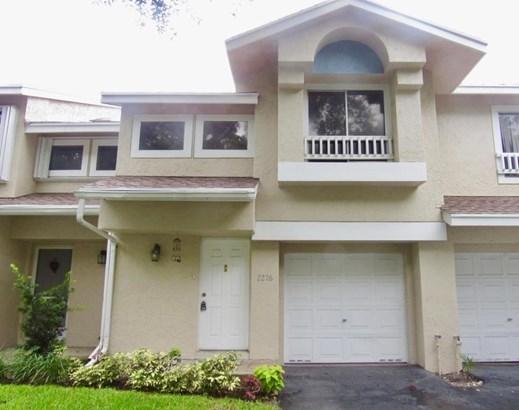2276 Discovery Circle, Deerfield Beach, FL - USA (photo 1)