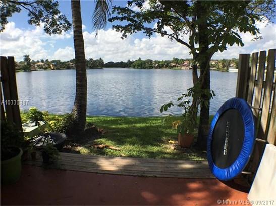 Condo/Townhouse - Cooper City, FL (photo 2)