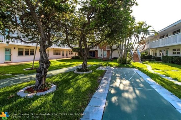 228 Hibiscus Ave #235, Lauderdale By The Sea, FL - USA (photo 3)