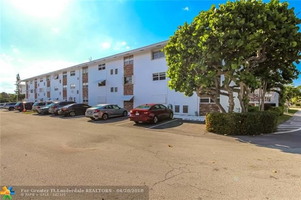 228 Hibiscus Ave #235, Lauderdale By The Sea, FL - USA (photo 5)