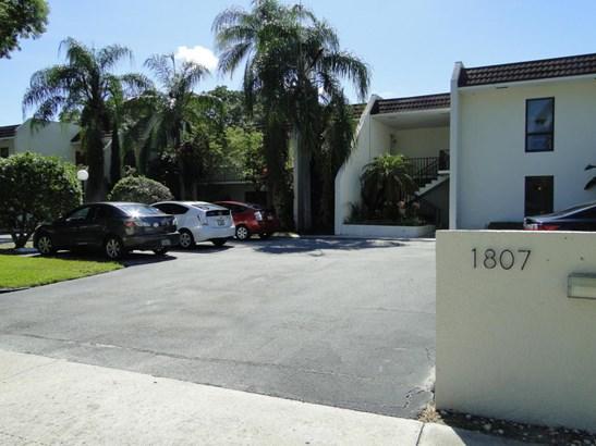 Condo/Townhouse - West Palm Beach, FL (photo 2)