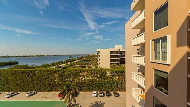 Condo/Townhouse - Palm Beach, FL (photo 2)