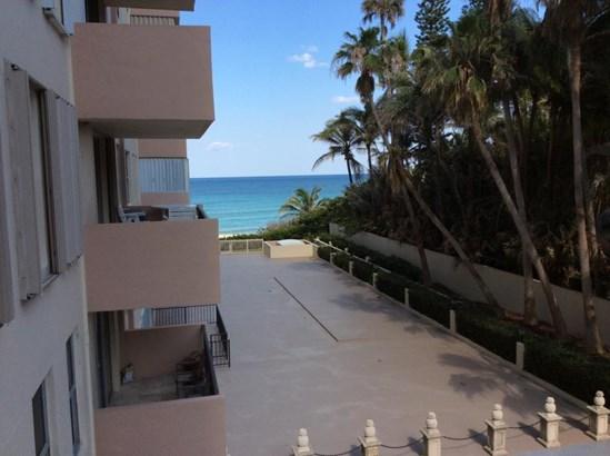 1147 Hillsboro Mile Unit 306, Hillsboro Beach, FL - USA (photo 2)