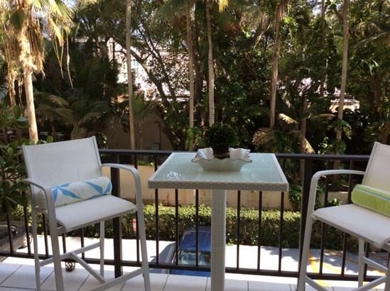 1147 Hillsboro Mile Unit 306, Hillsboro Beach, FL - USA (photo 3)