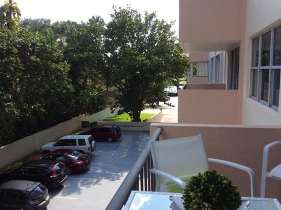 1147 Hillsboro Mile Unit 306, Hillsboro Beach, FL - USA (photo 4)