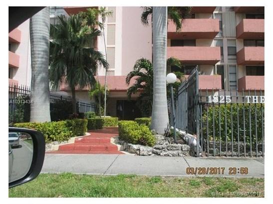 Condo/Townhouse - Hialeah, FL (photo 2)