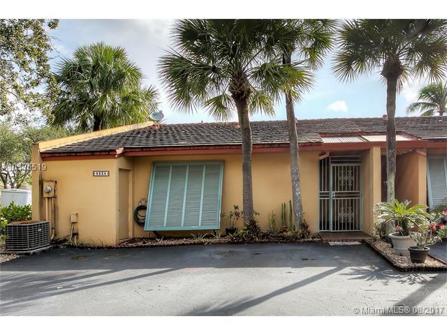 8336 Dundee Ter, Miami Lakes, FL - USA (photo 1)