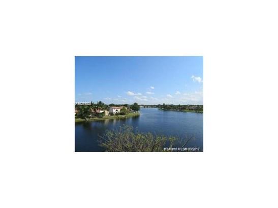 Condo/Townhouse - Sunrise, FL (photo 2)
