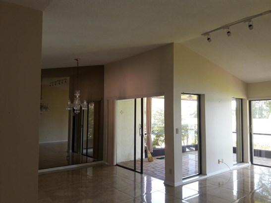 Single-Family Home - Boynton Beach, FL (photo 4)