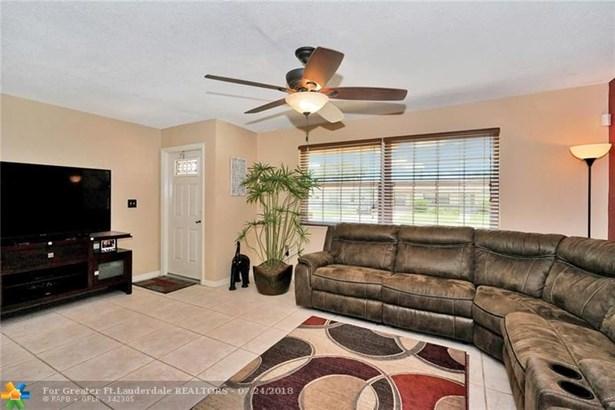7550 Hope St, Hollywood, FL - USA (photo 4)