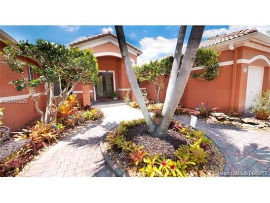 9365 Sw 149th St, Miami, FL - USA (photo 1)