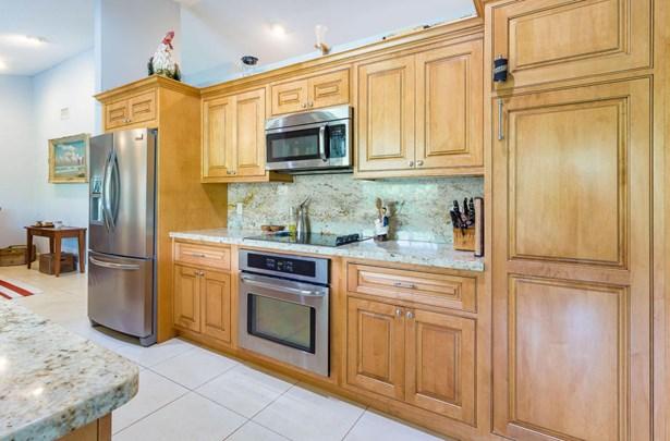 Single-Family Home - Lake Worth, FL (photo 3)