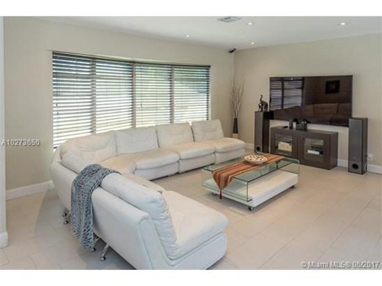 Single-Family Home - Hollywood, FL (photo 4)