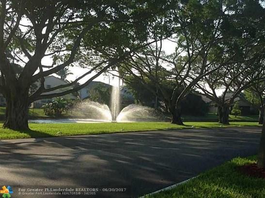 2378 Nw 34th Way, Coconut Creek, FL - USA (photo 3)