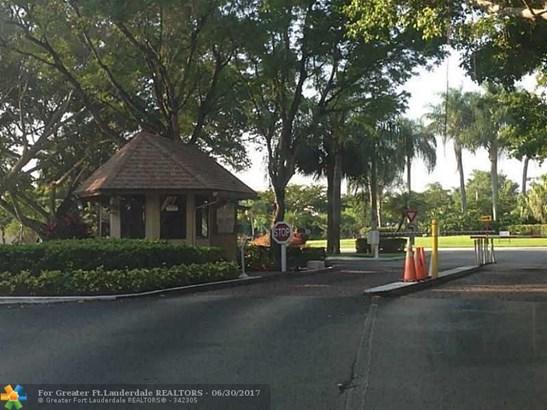 2378 Nw 34th Way, Coconut Creek, FL - USA (photo 4)