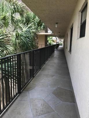 8000 Hampton Boulevard Unit 402, North Lauderdale, FL - USA (photo 2)