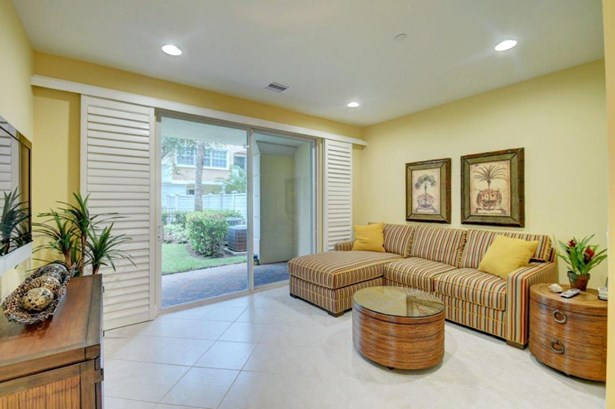 609 Ne Rossetti Lane, Boca Raton, FL - USA (photo 4)