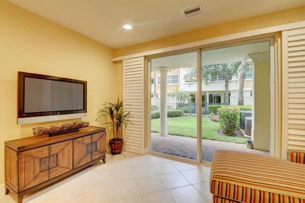 609 Ne Rossetti Lane, Boca Raton, FL - USA (photo 5)