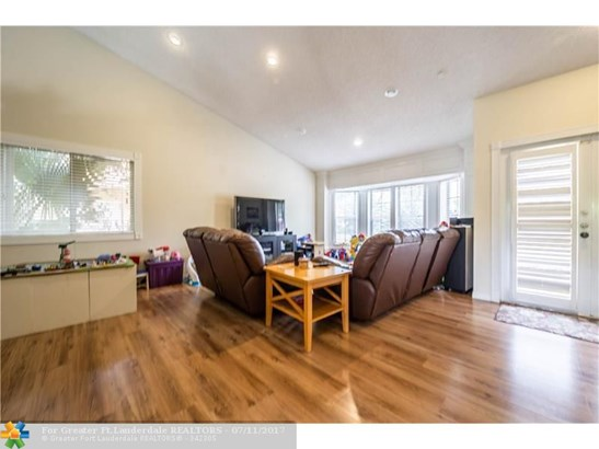 Single-Family Home - Coral Springs, FL (photo 4)