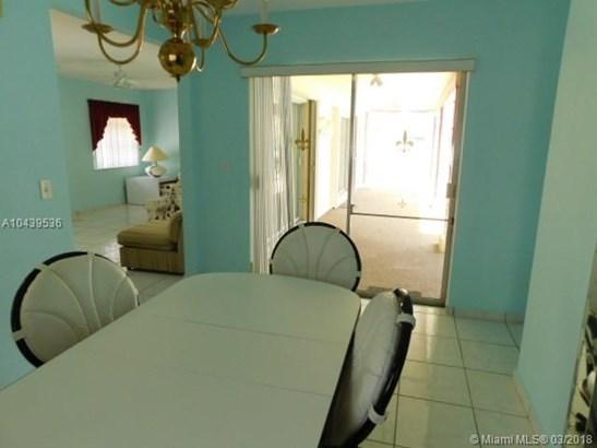 6790 Sw 9th St, Pembroke Pines, FL - USA (photo 5)