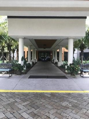 5624 Linton Boulevard Unit D111, Delray Beach, FL - USA (photo 1)