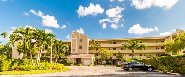 7192 Huntington Lane Unit 205, Delray Beach, FL - USA (photo 1)