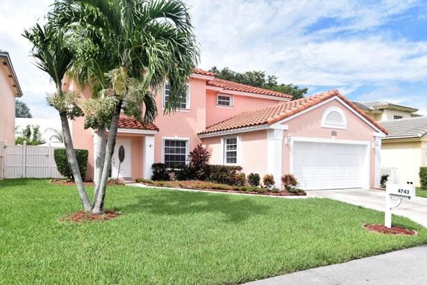 4743 Nw 3rd Street, Deerfield Beach, FL - USA (photo 2)