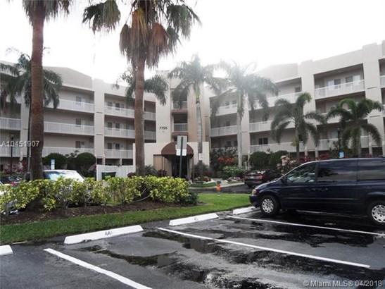 7755 Yardley Dr  #414, Tamarac, FL - USA (photo 1)