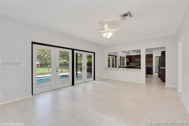 7537 Live Oak Drive, Coral Springs, FL - USA (photo 5)