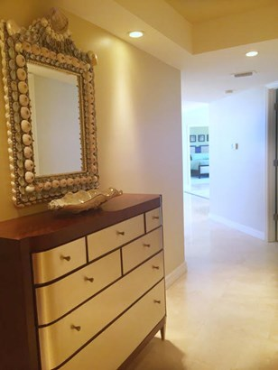 Condo/Townhouse - Singer Island, FL (photo 2)
