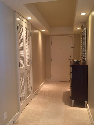Condo/Townhouse - Singer Island, FL (photo 3)