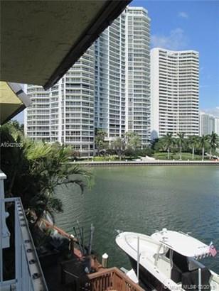 3927 Ne 171st St  #c, North Miami Beach, FL - USA (photo 1)