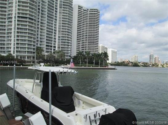 3927 Ne 171st St  #c, North Miami Beach, FL - USA (photo 2)