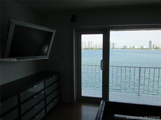 3927 Ne 171st St  #c, North Miami Beach, FL - USA (photo 3)