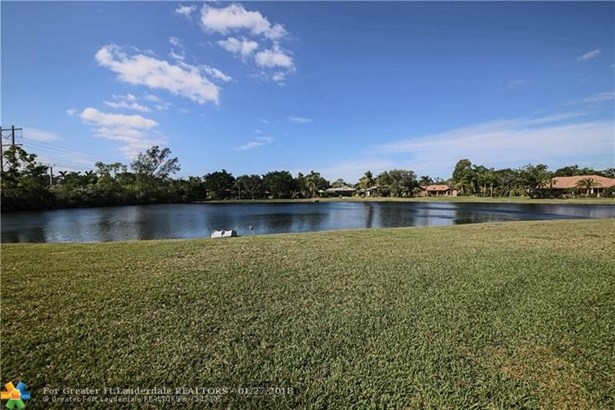 7724 Nw 47th Dr, Coral Springs, FL - USA (photo 2)