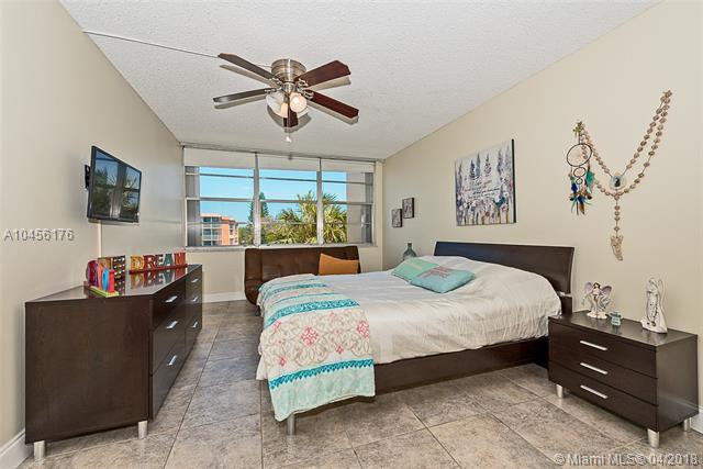 2741 Taft St  #304, Hollywood, FL - USA (photo 5)