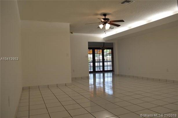 7003 Crown Gate Ct  #7003, Miami Lakes, FL - USA (photo 2)