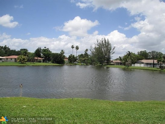 8797 Nw 1st St, Coral Springs, FL - USA (photo 3)