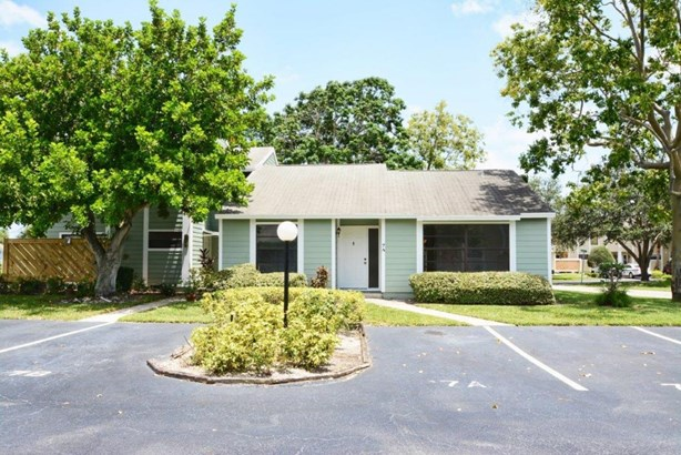 Condo/Townhouse - Jupiter, FL (photo 2)
