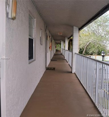 8820 Royal Palm Blvd  #208-4, Coral Springs, FL - USA (photo 2)