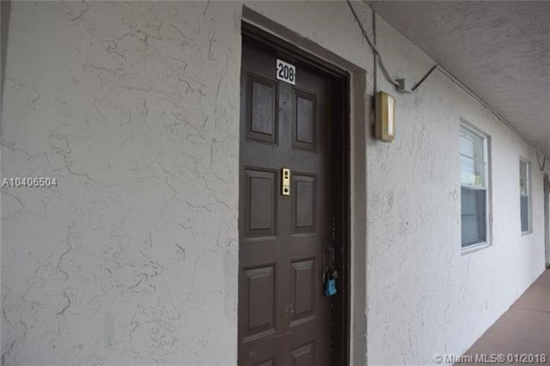 8820 Royal Palm Blvd  #208-4, Coral Springs, FL - USA (photo 3)