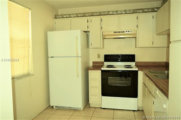 8820 Royal Palm Blvd  #208-4, Coral Springs, FL - USA (photo 4)
