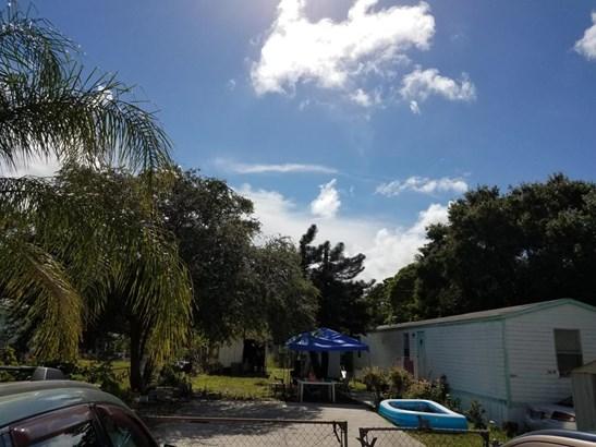 1205 E Joy Lane, Fort Pierce, FL - USA (photo 2)
