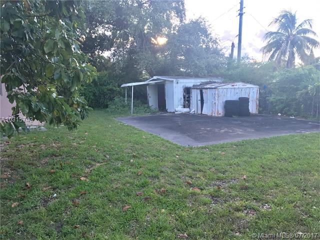 Single-Family Home - North Miami, FL (photo 3)