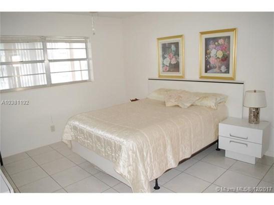 5111 W Oakland Park Blvd  #209, Lauderdale Lakes, FL - USA (photo 4)