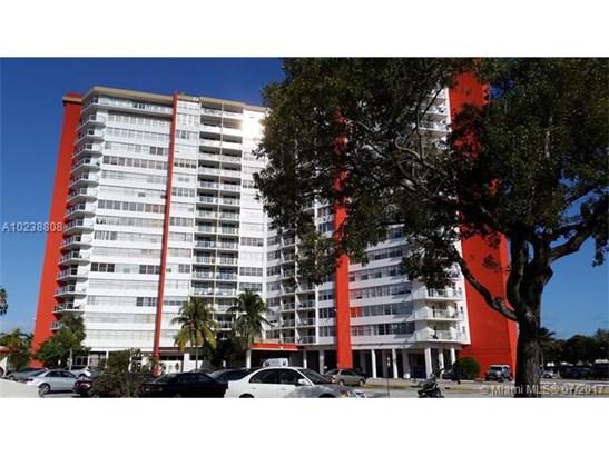 Condo/Townhouse - Miami, FL (photo 1)