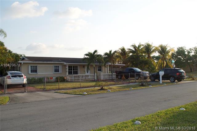 4420 Nw 195th St, Miami Gardens, FL - USA (photo 2)