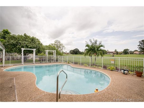 Single-Family Home - Unincorporated Dade County, FL (photo 3)