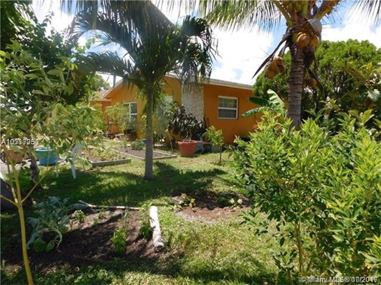 1351 Sw 11th Ave, Deerfield Beach, FL - USA (photo 2)